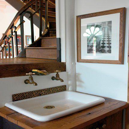 Une salle de bains à l'ancienne