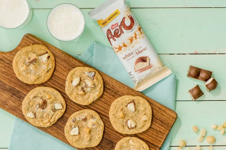 The saltiness of toasted macadamia nuts adds a nice contrast to the sweetness of the white chocolate in these all-time favourite cookies.