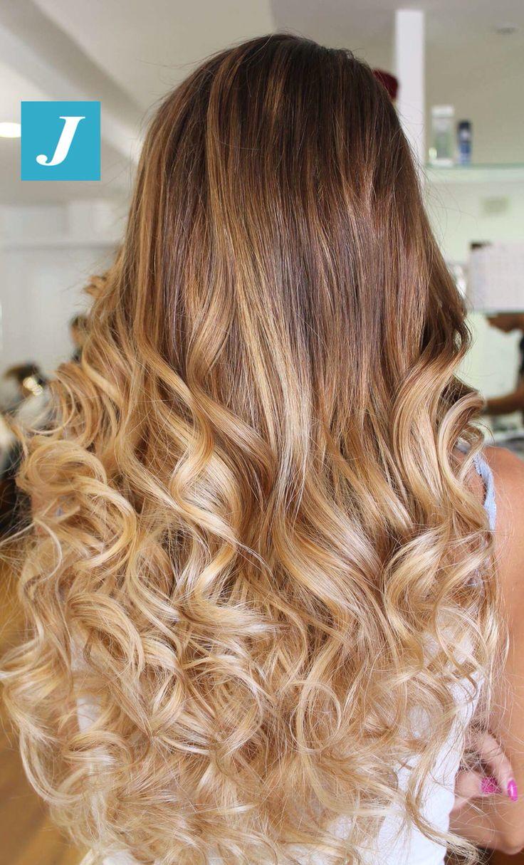 Femminilità. Eleganza. Degradé Joelle. #cdj #degradejoelle #tagliopuntearia #degradé #igers #musthave #hair #hairstyle #haircolour #longhair #ootd #hairfashion #madeinitaly #wellastudionyc