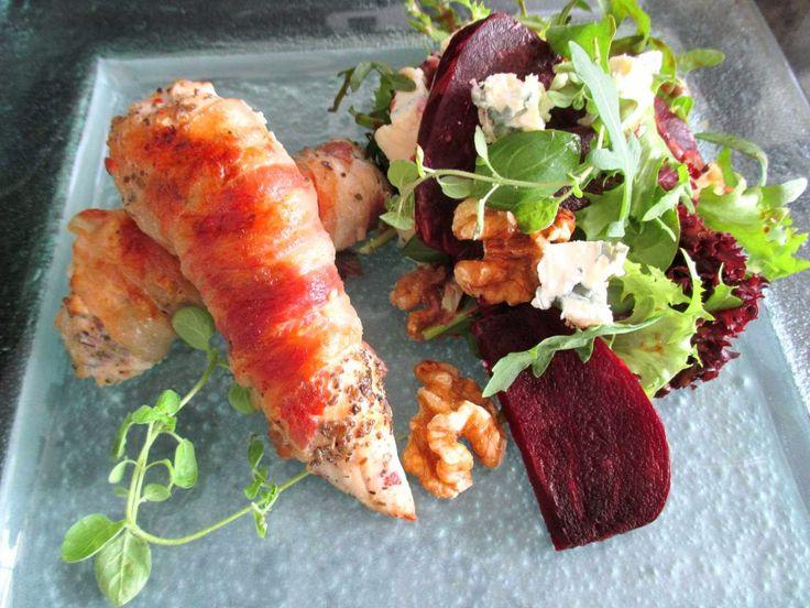 Tinskun keittiössä: Salvialla maustetut pekoni-broilerkääryleet