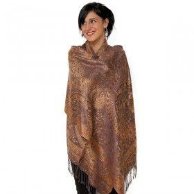 Châle indien de couleur marron glacé doux et brillant à porter à toute occasion! Disponible sur http://www.merabarata.fr/les-jamavars/462-chale-jamavar-marron-glace.html