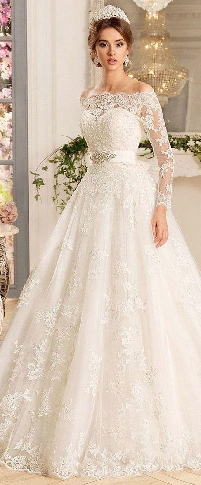 eye-catching 70+ Romantic Valentine's Day Wedding Dress Ideas https://femaline.com/2017/08/06/70-romantic-valentines-day-wedding-dress-ideas/