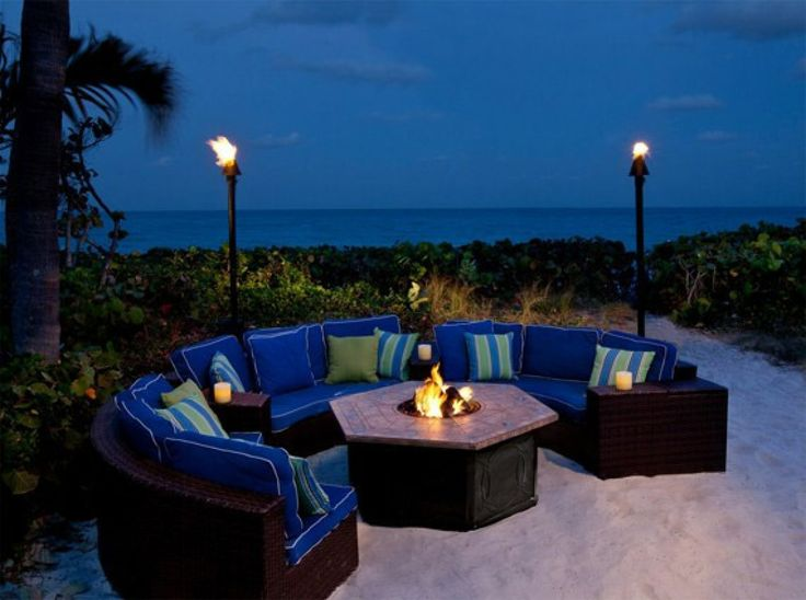 Jupiter Beach Resort & Spa:  With crashing waves and tiki-lit lounges, a fantastic place to count the constellations and enjoy the night sky. Dance the evening away at the poolside bar with live music, or snuggle up with the sand in your toes and look into the galaxy at this beautiful resort. (Photo credit: Jupiter Beach Resort & Spa)