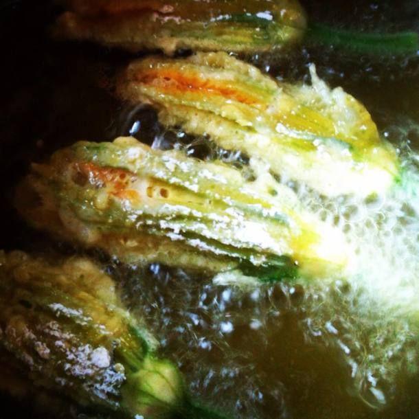 Friterade zucchiniblommor. Mmmmmm...