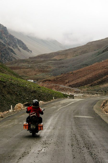 ROAD TRIP TO LADAKH: COMPLETE TRAVEL GUIDE - Road trip to Ladakh is perhaps one of the most adventurous and thrilling road trip in India or one can even say on of the best in the world.