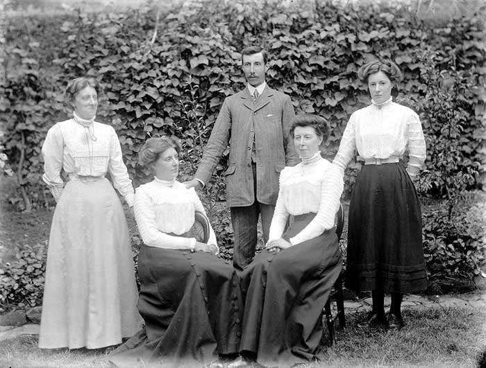 The Ariss Family, Upper Boddington, Northamptonshire