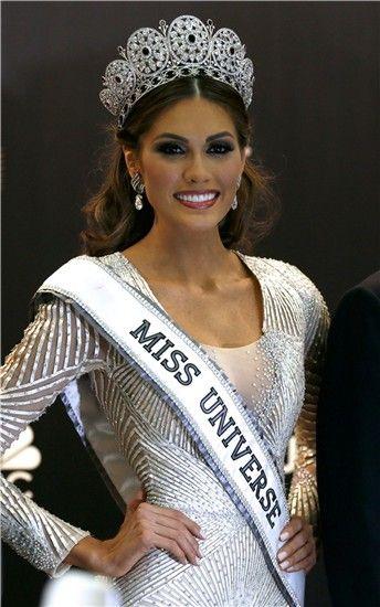 María Gabriela Isler la representante de Venezuela elegida Miss Universo 2013   Galería de fotos   Mujerhoy.com Dicen que es artificial,que las venezolanas son las reinas de la cirujia...,puede ser!,pero a mi me parece una chica muy guapa.