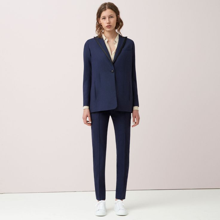 FWSS Be Nice is an oversized, tailor inspired blazer crafted from a luxurious wool mix. Satin binding details and detachable waist belt.