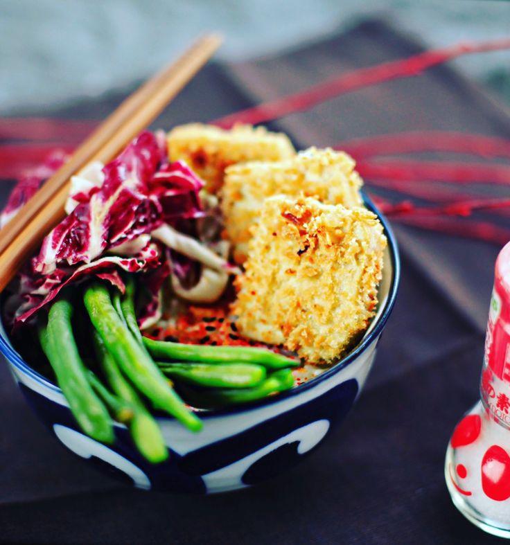 Heute gibt es superknusprigen Katsu Tofu – paniert in Panko: Ein Zaubermittel der japanischen Küche!