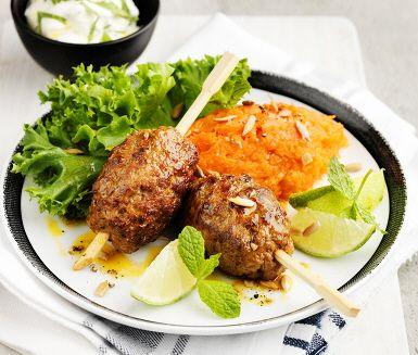 Recept: Kryddiga köttbullar med morotskross