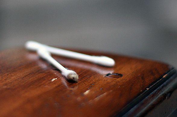Arreglar desperfectos en muebles... Como roces, grietas, astillamientos, manchas de agua ... Te mostramos cómo hacerlos desaparecer en  http://reciclatusmuebles.wordpress.com