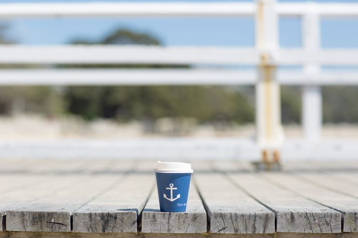 Coffee, for the beach | Photo @robdomjenphoto