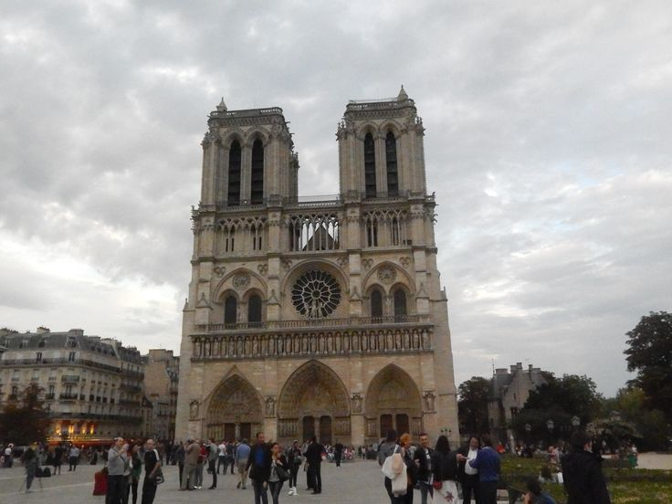 #CathedraldeNotreDame #Paris #Notre-Dame #Autumn #Cloudysky