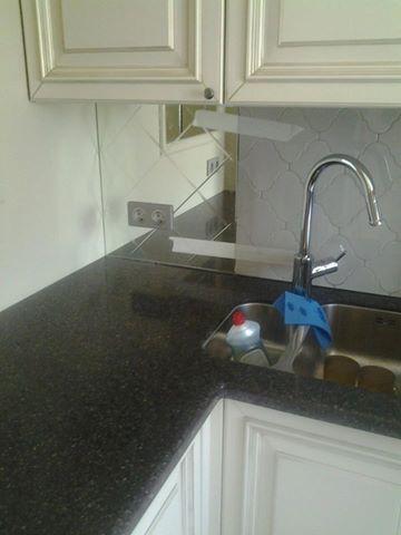 Декоративные вставки на кухню. Выполнены из зеркала 4мм с гравировкой. Яблочкова, 37Г