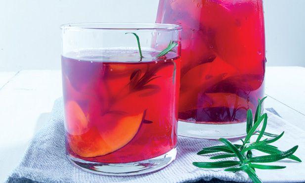 Infusão de nectarinas - uma maneira fresca de beber mais líquidos. Uma receita Pingo Doce para experimentar