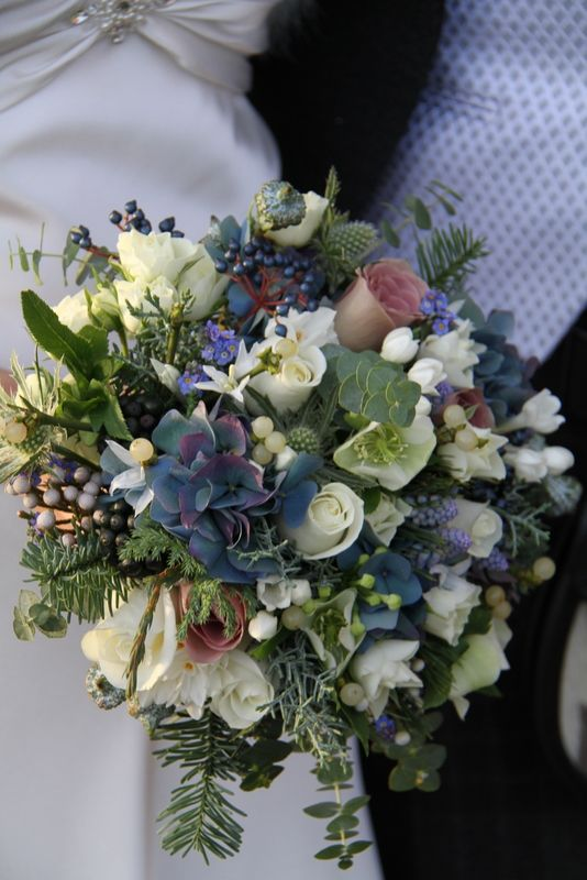 17 best images about bouquets mari e bleu blue wedding bouquet on pinterest blue and - Bouquet mariee bleu ...