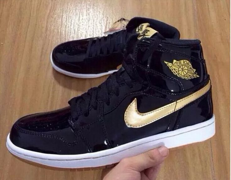 Authentic Air Jordan 1 Retro High OG Black Metallic Gold $180.00