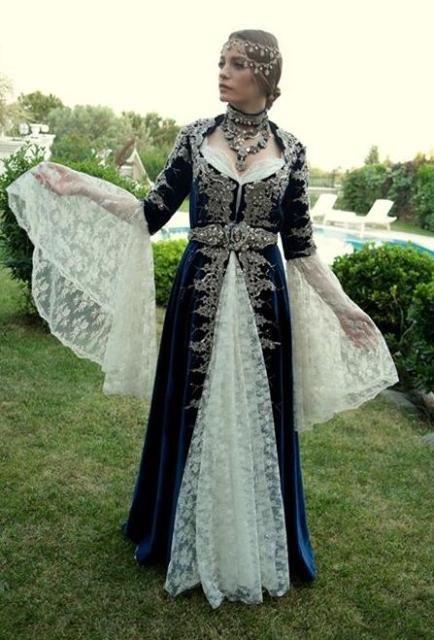 Medcezir 75. bölüm kına kıyafetleri Mira'nın bindallısı Lal Organizasyon