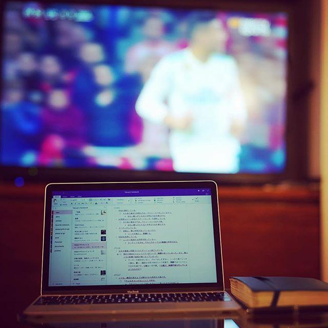 tkymtdThink about future watching my favorite soccer game. Important time. . Pienso en el futuro viendo el juego de fútbol. Tiempo importante. . 大好きなサッカーを観ながら、未来を考える。 大事な時間。 . #lifestyle #ライフスタイル . #thankful #positive #happy #smile #executive  #感謝 #ポジティブ #幸せ #前向き #笑顔 #経営者 . #お洒落さんと繋がりたい #写真好きな人と繋がりたい . #macbook #moleskine #montblanc #soccer #future #futebol #futuro #マックブック #モレスキン #モンブラン #サッカー #未来2017/11/19 06:41:11