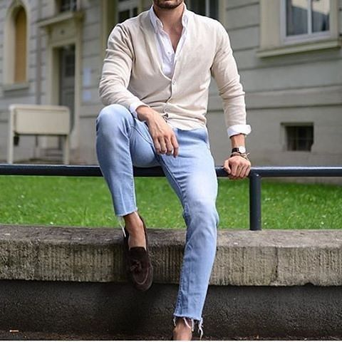 Casual style! 👌 Tag someone who would like it! 👑Follow @mr.mensstyle for the best mens outfits👔, fashion👞, watches⌚ and accessories!👑 📷Courtesy of @justusf_hansen