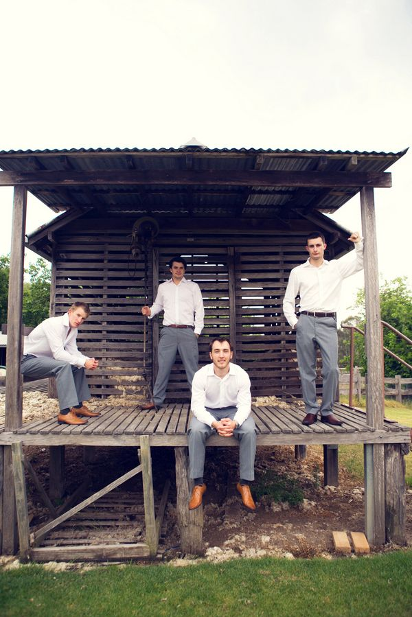 Nice poses and masculine picture for groomsmen