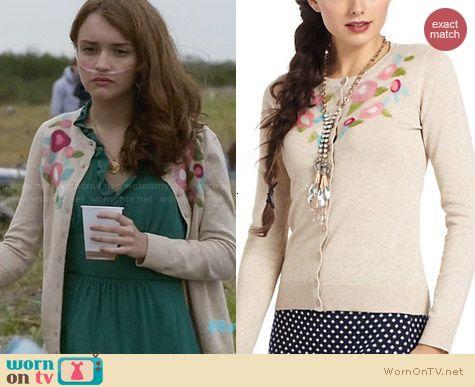 Emma's floral cardigan on Bates Motel. Outfit Details: http://wornontv.net/28755 #BatesMotel #fashion