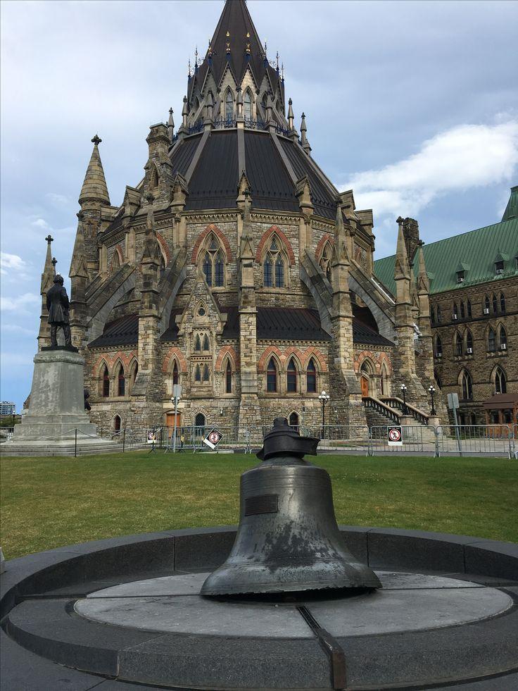 Parliament hill , Ottawa