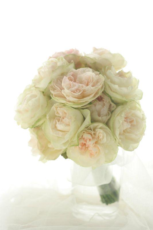 クラッチブーケ 一種のバラだけで フルーティアバランチェ