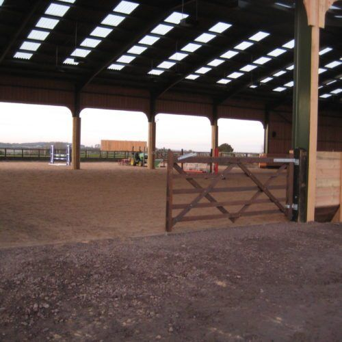 Indoor Riding Arena With Stalls: Top 25 Ideas About Indoor Arena On Pinterest
