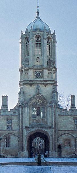 Oxford England :: University of Oxford :: Christ Church :: Tom Tower √ https://en.wikipedia.org/wiki/Tom_Tower http://www.chch.ox.ac.uk/