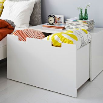 Using an Ikea Stuva storange bench in a slightly more unexpected way - I think it would be a really convenient linen box