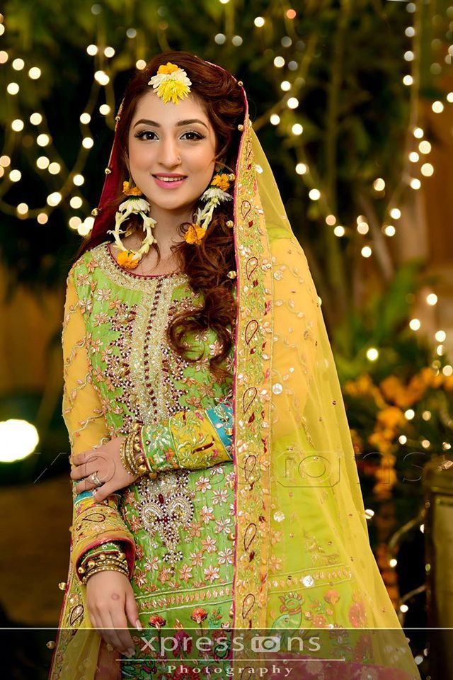 Pakistani Mehndi Dresses 2017 For Wedding Brides | BestStylo.com