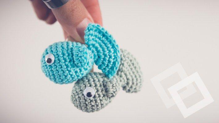 Kijk wat ik gevonden heb op Freubelweb.nl: een gratis haakpatroon van Ilse Kleijer om deze lieve visjes te maken https://www.freubelweb.nl/freubel-zelf/zelf-maken-met-haakkatoen-visjes-2/