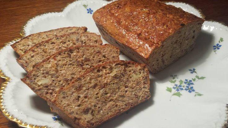 Už jste někdy pekli chleba bez mouky? Je opravdu skvělý :) Autor: Jasmina Ben