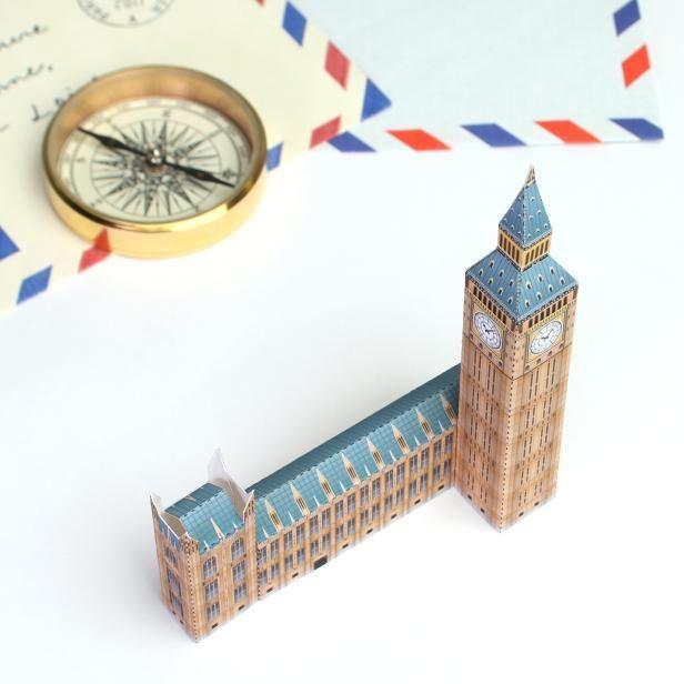 イギリス ビッグベン のミニチュアが簡単無料ダウンロードで作れます!(*´▽`*)ノ✨➡️https://goo.gl/qjGJAz   旅の記念✈️に撮った写真と一緒に飾ってみませんか?小さくてとてもカワイイんですよ♡☺︎✂︎✨ #ペーパークラフト #mini #インテリア #ビッグベン #イギリス #London #ミニチュア