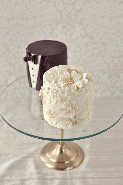 What a cute idea! Bride and groom mini wedding cakes // via isugarcoatit #wedding #cake                                                                                                                                                      More