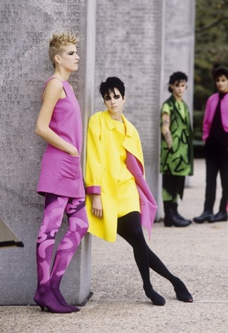 Stephen Sprouse's spring 1985 collection...  Looks like the fashion today : )