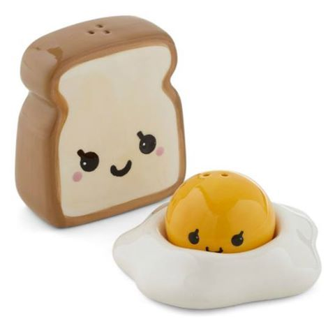 Unique salt and pepper shakers   Egg sunny side up and toast. :)