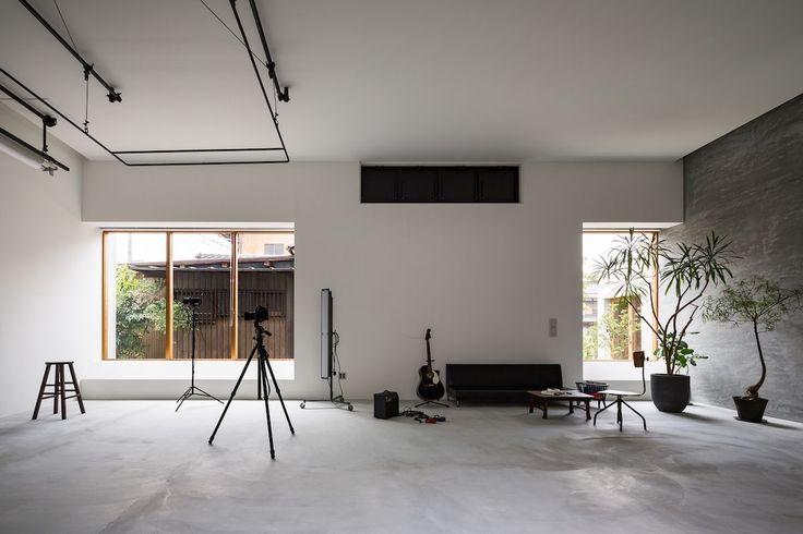 Ein Fotografenhaus und ein Studio verschmelzen zu einem