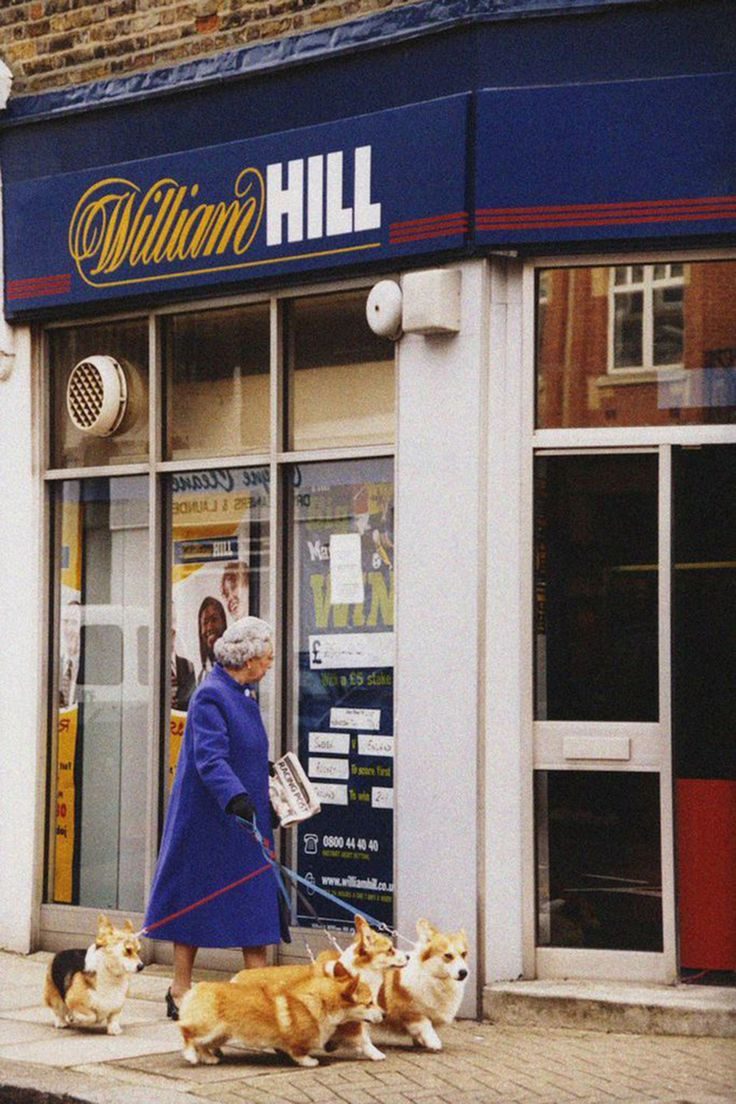 Alison Jackson, The Queen at William Hill