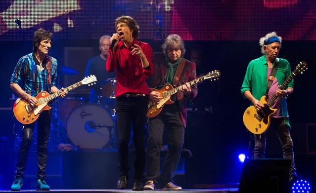 Sunspel provided t-shirts for The Rolling Stones for their appearance at Glastonbury festival.  Mr Keith Richards and Mr Charlie Watts in Sunspel for their barnstorming performance on the Saturday night.   http://www.philipbrownemenswear.co.uk/brand/sunspel.aspx