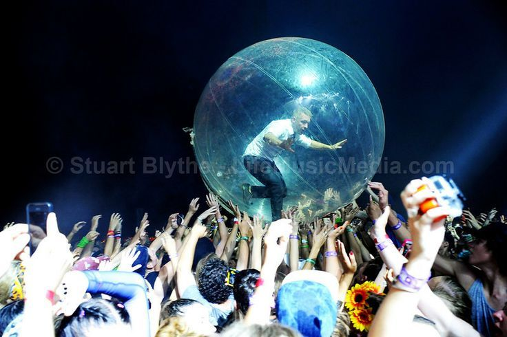 Major Lazer #crowdsurfing #bubble #crowd #bdo2014 Gold Coast Australia - lifemusicmedia.com  #lifemusicmedia