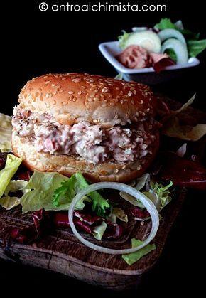 Panino con Crema di Tonno e Cipolle - Tuna and Onion Sandwich