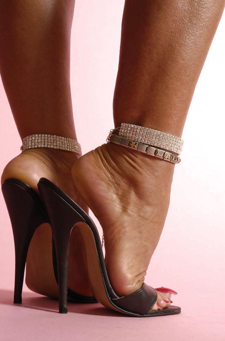 Lady Barbara. | Mmmmmmmmules | High heels, Heels, Women