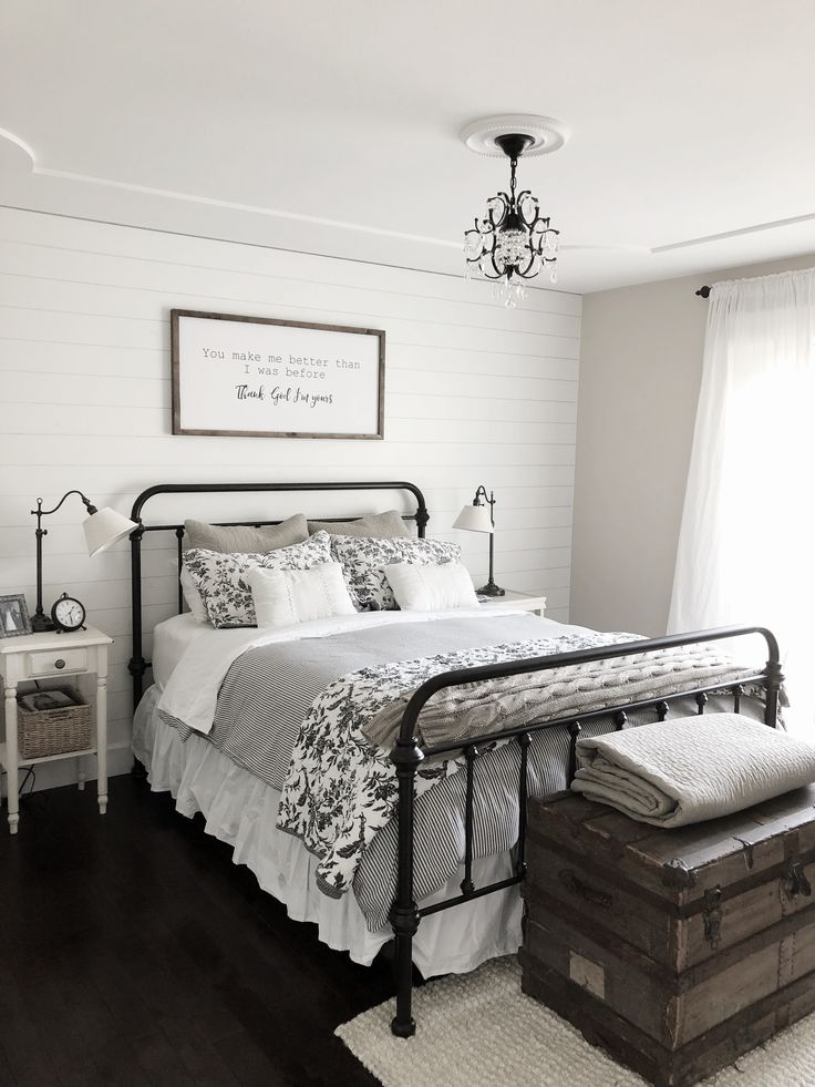 Best Modern Farmhouse Bedroom Decor Shiplap Accent Wall Black 640 x 480