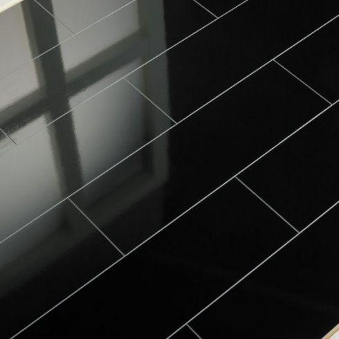 Elesgo Supergloss Black Micro V5 Groove Laminate Flooring Supergloss High Gloss Laminate Flooring Massive
