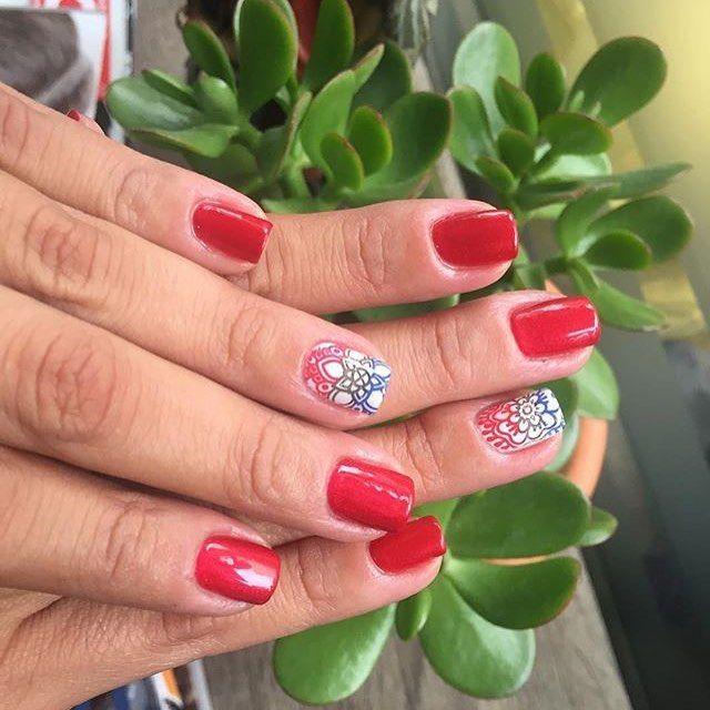 Lovely Red ❤️#spamanoslovers #spamanoschacao #diseño #uñas #nailsart #nails #caracas #manicure #pedicure #manicurepermanente #bella #trendy #mujer #estilizada #spa #buenaatención #cuidado #chinaglazeofficial #