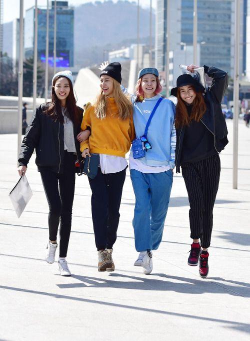Street style: Lee Hyun Ji, Chun Ji Hye, Seok Dan Bi and Kim Hyun Jin at Seoul Fashion Week Fall 2015 shot by Baek Seung Won