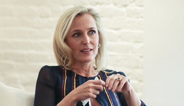 April 19, 2016Gillian Anderson, in New York and Beyond 'The X Files'By JESSICA IREDALEDuring a small dinner party Monday night hosted by Gabriela Hearst and her husband Austin in honor the actress Gillian Anderson, the model Lauren Hutton told a story about living on the Bowery in the Eighties and being confronted by a crack addict near her apartment. She likened her reaction to that of a disoriented zebra that had accidentally trotted into the middle of a herd of lions. In hopes of…