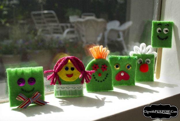 """Kids Helping Kids"" – Super Easy Finger Puppets!"